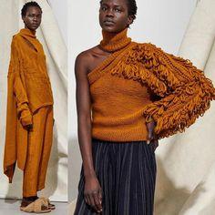 Laura Siegel Fall 2018 #knit #knitted #knitwear #knitlove #knitting #knitstagram #knitstyle #knittinglove #knittinglife #knittinginspo #knittingtrend #knittingaddict #knitting_inspire #knitting_is_love #knitting_inspiration #knittinginspiration #inspiration #sweater #cardigan #mezgimas #вязание #вязанаямода #вязаныйстиль #модноевязание #стильноевязание #свитер #кардиганспицами #вяжутнетолькобабушки