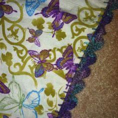 DIY crochet blanket stitch blanket. Flannel. Crafts