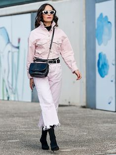 Lemon, peach and pistachio: sorbet tones are taking over our denim looks. Here's the best trending pastel pieces right now Winter Mode, Pastel Shades, Sorbet, Portfolio Design, Neue Trends, Pretty In Pink, Mantel, White Jeans, Glamour