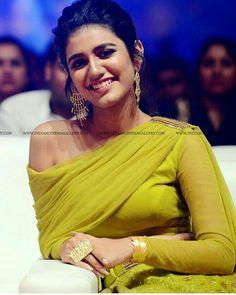 Bollywood Actress Hot, Beautiful Bollywood Actress, Most Beautiful Indian Actress, Beautiful Actresses, Hot Actresses, Indian Actresses, Actress Priya, Stylish Girl Pic, Cute Beauty