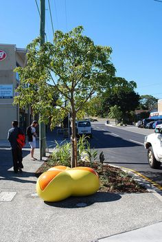 Could you guess what this piece of #brisbanepublicart for the St Lucia SCIP is?