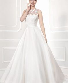 Bridal+Gown+and+Accessories+from+Opus+Couture