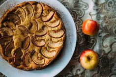 Творожная шарлотка с яблоками - рецепт