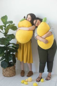 Lemon Pillow Patterns to Crochet & Knit - Stitch Away Stress - - The Craft Yarn Council is encouraging us to pick up our hooks and needles and . Try these free lemon pillow patterns to knit or crochet. Crochet Home, Knit Or Crochet, Crochet Baby, Free Crochet, Irish Crochet, Crochet Fruit, Modern Crochet, Tunisian Crochet, Crochet Gifts