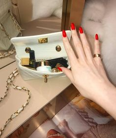 """""""I need a pretty little Chanel bag filled with hundreds of dollars.oh and a perfect red manicure to go with! Best Nail Art Designs, Beautiful Nail Designs, Beautiful Nail Art, Red Manicure, Red Nails, Sns Nails Colors, Pink Coffin, Zeina, What In My Bag"""