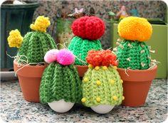 Free Crochet Pattern: Cactus Egg Cozies