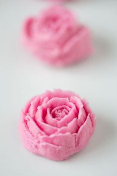 How to Make Frosting Roses
