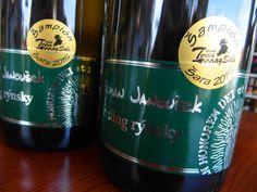 Skvelý, mnohými súťažami ocenený Rizling Rýnsky 2014 z vinárstva Roman Janoušek opäť v našej ponuke. Ochutnajte dobré víno ešte dnes ... www.vinopredaj.sk  #vino #predaj #wine #wein #janousek #vinasrtvo #vinar #rizling #rynsky #rizlingrynsky #winery #slovak #slovakia #slovensko