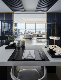 The Neutral Color Expert – Our Selection of the Best Interior Design Projects by Kelly Hoppen-doors/view layout Top Interior Designers, Luxury Interior Design, Interior Design Inspiration, Interior Architecture, Design Ideas, Design Projects, Room Inspiration, Design Art, Kelly Hoppen Interiors