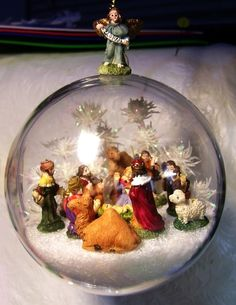 Best 12 Holy Family Baby Jesus Nativity Winter Scene in glass ornament by TheFittingPiece by sarahx – SkillOfKing. Nativity Ornaments, Christmas Nativity Scene, Nativity Crafts, Christmas Ornaments To Make, Christmas Balls, Christmas Holidays, Christmas Crafts, Christmas Decorations, Nativity Scenes