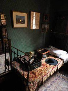 Sherlock Holmes' home. The Sherlock Holmes museum. Sherlock Holmes, Funny Sherlock, Watson Sherlock, Jim Moriarty, Sherlock Quotes, Sherlock John, My New Room, My Room, Bedroom Inspo