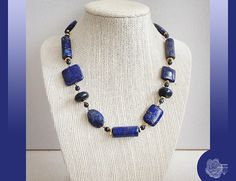 Hey, I found this really awesome Etsy listing at https://www.etsy.com/listing/122575017/22-blue-lapis-lazuri-hand-knotted-gold