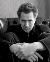 Gaz ♡ Gary Oldman [Gary Leonard Oldman] (born 21 March is an English screen and stage actor, filmmaker and musician Actor Gary Oldman, Sid And Nancy, Tim Roth, Harry Potter Actors, Cinema, British Actors, The Villain, Best Actor, Portrait Photographers