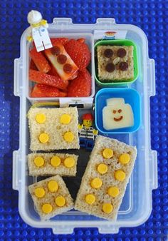 Lego bento for lunch! Oh if I were super mom! Bento Recipes, Baby Food Recipes, Bento Ideas, Lunch Ideas, Toddler Lunches, Kid Lunches, Boys Lunch Boxes, Kindergarten Lunch, Food Humor