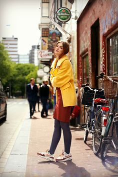 Yellow coat, H&M Trend, Air Max, bodycon dress, fashion is a party, fashion blogger