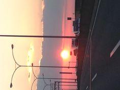 高速から夕陽
