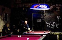 The Best Damn Dive Bars in Oakland