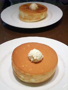 Hoshino Coffee's thick pancake