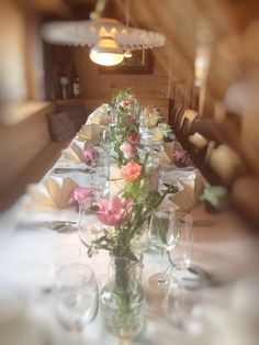 Table Decorations, Furniture, Home Decor, Floral, Homemade Home Decor, Home Furnishings, Interior Design, Home Interiors, Decoration Home