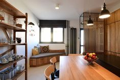 Black&Oak #kitchendesign #entrance #interiordesign #kilimpillow #realwood #terazzo #oakkitchen 📸@balintjaksa @octogon_deco