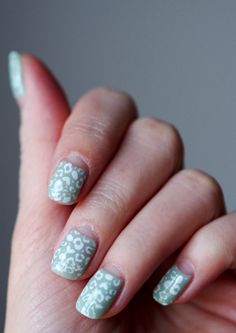 Mint leopard nails with Bio Sculpture and Konad