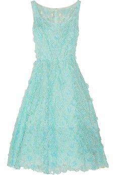 Oscar de la Renta Appliquéd floral-lace dress   THE OUTNET