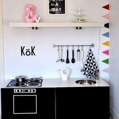 """Dieser Post hätte Pozential eine eigene Serie zu werden, denn es gibt unzählich viele, coole DIY Ikea-Hacks. Wie macht man aus den schönen, aber """"0815"""" -  Skandinaviern etwas besonderes"""