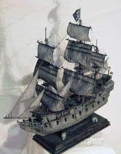 Model Sailing Ships, Model Ships, Pirate Art, Pirate Ships, Sailing Day, Black Pearl Ship, Model Ship Building, Boat Art, Medieval Life
