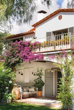 〚 1950 house in Spain from that was given a new life 〛 ◾ Photos ◾Ideas◾ Design Future House, Spanish Style Homes, Spanish House, Style At Home, Estilo Country Chic, Exterior Design, Interior And Exterior, 1950s House, Mediterranean Homes