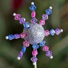 Tvoření s dětmi - třpytivé vánoční dekorace z vatových koulí | Davona výtvarné návody
