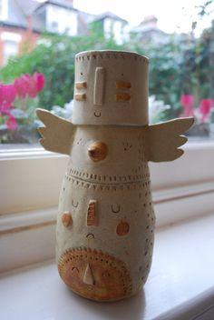 Totem ceramic vase. Atelier Stella.