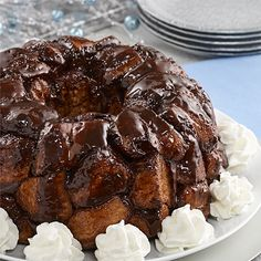 Hot Chocolate Monkey Bread: Easy monkey bread recipe layers biscuit pieces in between a Swiss Miss chocolate glaze for a pull apart gooey treat to top with Reddi-wip Christmas Desserts Easy, Easy Desserts, Delicious Desserts, Dessert Recipes, Christmas Recipes, Christmas Meals, Holiday Foods, Holiday Treats, Yummy Snacks