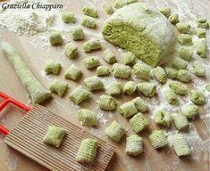most popular italian recipes Pollo Tandoori, My Favorite Food, Favorite Recipes, Gnocchi Recipes, Best Italian Recipes, Cooking Recipes, Healthy Recipes, Food Humor, Savoury Dishes