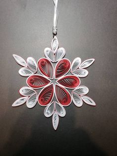 Neli Quilling, Paper Quilling Flowers, Paper Quilling Jewelry, Origami And Quilling, Paper Quilling Patterns, Quilling Paper Craft, Quilled Roses, Paper Crafting, Diy Christmas Fireplace