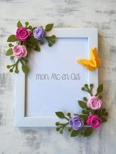 Diy Crafts For Girls, Felt Crafts Diy, Paper Crafts, Flower Picture Frames, Flower Frame, Birthday Gift For Wife, Diy Birthday, Cardboard Picture Frames, Box Frame Art