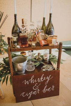 Whisky and cigar bar - wood sign - #panneaubois #cocktail #mariage #calligraphie
