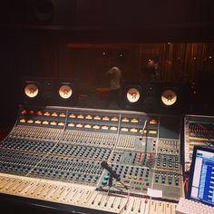 Así se veía desde la consola! #MeekOficial #live #recording #music #musica #mapex #fender #lakland #stratocaster #aguilar #bass #rock #electrorock #DiosFiel #filtro #voz #voice #bateria #drums #consola #audio #AudioVision #TigoMusicCo @TigoMusicCo