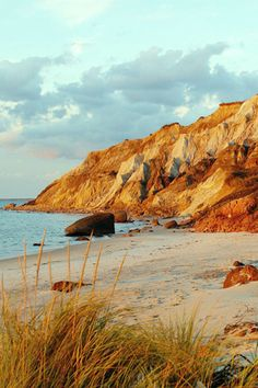 One of my fav places to visit martha's vineyard Gay head Cliffs Rhode Island, Vermont, Maryland, Oh The Places You'll Go, Places To Travel, Places To Visit, Dream Vacations, Vacation Spots, New Hampshire