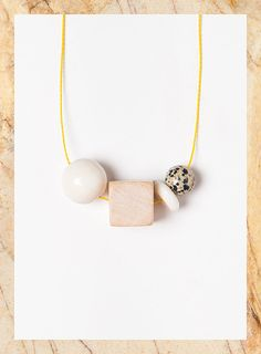 Terrestre#05 is one of the necklaces of Terrestre collection. This is inspired by nature, raw materials, stone, wood, marble...  It is composed of