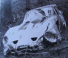 Ferrari GTO 3809GT de Kalman von Csazy bien accidentée par son premier propriétaire en 1962 ou 1963 Old Vintage Cars, Old Cars, Nascar, Ferrari, Pin Up Car, Abandoned Cars, Pista, Barn Finds, Autos
