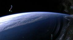 """+ - O leitor Marcos Martins do Rego capturou a foto abaixo de uma transmissão de vídeo feita pela Estação Espacial Internacional. Ele escreveu no Facebook: """"Acabei de tirar essa foto da transmissão ao vivo da ISS. Vejam essa estrutura estranha no horizonte. Após eu tirar essa foto a transmissão foi encerrada. Isso é no …"""