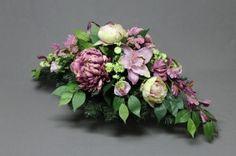 Dekoracje nagrobne. Grave Decorations, Funeral, Floral Wreath, Wreaths, Flowers, Diy, Crafts, Gardens, Xmas