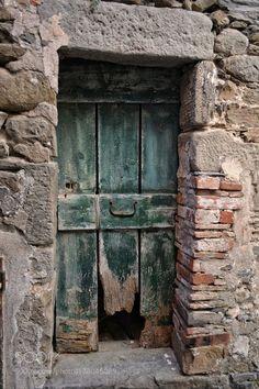 Door with doggy door. Door by yovicky Door Entryway, Entrance Doors, Doorway, Rustic Doors, Wooden Doors, Windows And Doors, The Doors, Door Knobs And Knockers, Cool Doors
