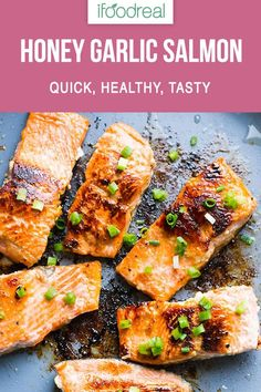 How to cook crispy salmon on the stove with easy salmon marinade in 30 minutes This is the best pan fried salmon recipe for busy weeknights ifoodreal cleaneating healthy recipe dinner salmon Marinated Salmon, Garlic Salmon, Marinade For Salmon, Baked Salmon Recipes, Seafood Recipes, Salmon With Skin Recipes, Honey Recipes, Recipes Dinner, Fish Recipes