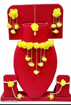 Jewellery Set Oxidised Womens Jewellery Set Base Metal: Alloy Plating: Gold Plated Stone Type: Artificial Stones & Beads Sizing: Adjustable Country of Origin: India Sizes Available: Free Size   Catalog Rating: ★4 (506)  Catalog Name: Feminine Chic Jewellery Sets CatalogID_944171 C77-SC1093 Code: 391-6185082-693