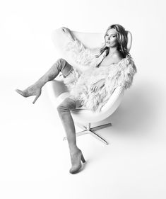 Stuart Weitzman | Fall Winter 2013 Campaign #KateMoss #MarioTestino #shoes #HIGHLAND
