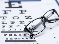 Nur zehn Minuten Augentraining täglich kann die Sehkraft wesentlich stärken. Wir zeigen Ihnen die Top-Übungen, mit denen Sie Ihre Augen trainieren können.