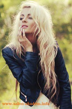 "Каскад без челки на длинные волосы фото #Фото  Вернуться в раздел ""Прическа каскад без челки""    http://www.salon-akadem.info/kaskad-bez-chelki-na-dlinnye-volosy-foto.php"