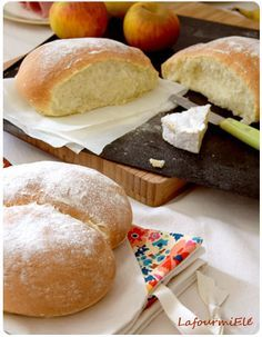 Pain au yaourt Cooking Bread, Cooking Recipes, Bread Winners, Brioche Bread, Cuisine Diverse, Donuts, Sandwiches, Tacos, Winter Food