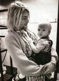 Kurt Cobain & Frances Bean Cobain, So I can seriously feel my heart melting right now. Frances Bean Cobain, Nirvana Kurt Cobain, Kurt Corbain, Kurt And Courtney, Music Rock, My Music, Jack Kilmer, Montage Of Heck, Rock And Roll